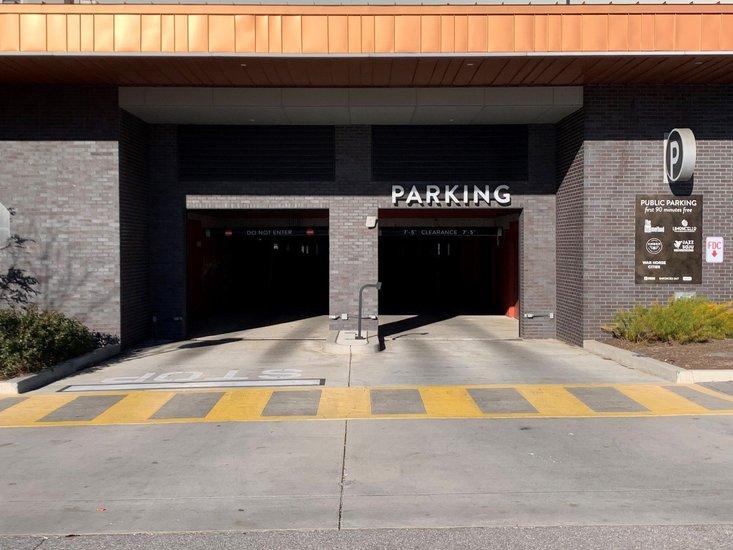1157 Bar Kitchen Parking